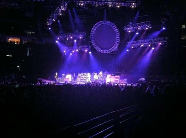 Oakland Arena, secção: 101, fila: 2, lugar: 8