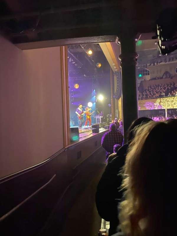 Ryman Auditorium, secção: MF-8, fila: P, lugar: 7-8