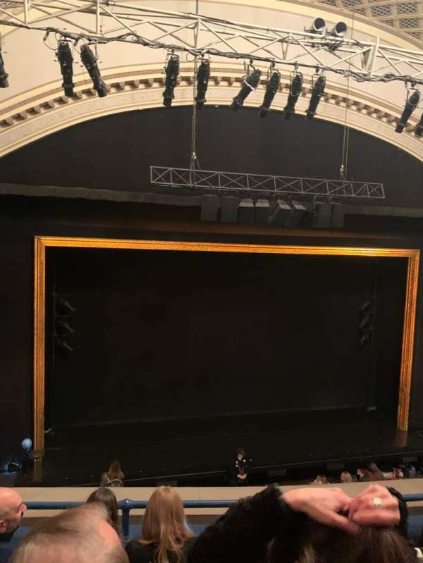 Ambassador Theatre, secção: Front Mezz, fila: D, lugar: 117