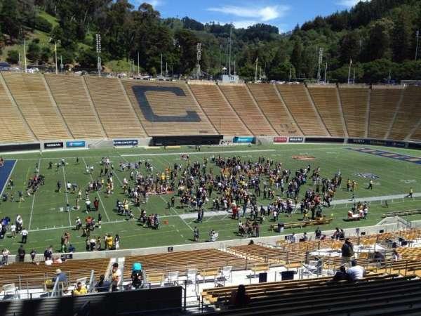 California Memorial Stadium, secção: F, fila: 45, lugar: 24