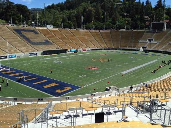 California Memorial Stadium, secção: D, fila: 47, lugar: 19
