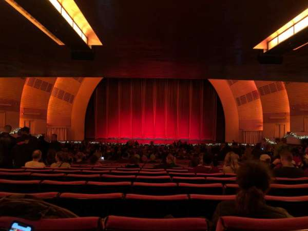 Radio City Music Hall, secção: Orchestra 4, fila: W, lugar: 408