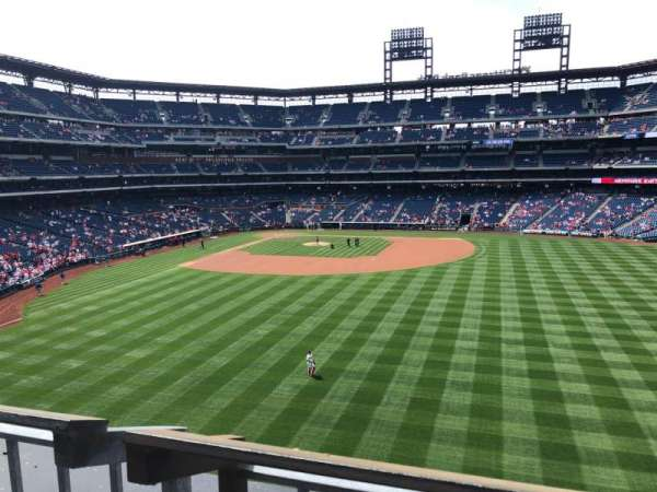 Citizens Bank Park, secção: 202, fila: 1, lugar: 1