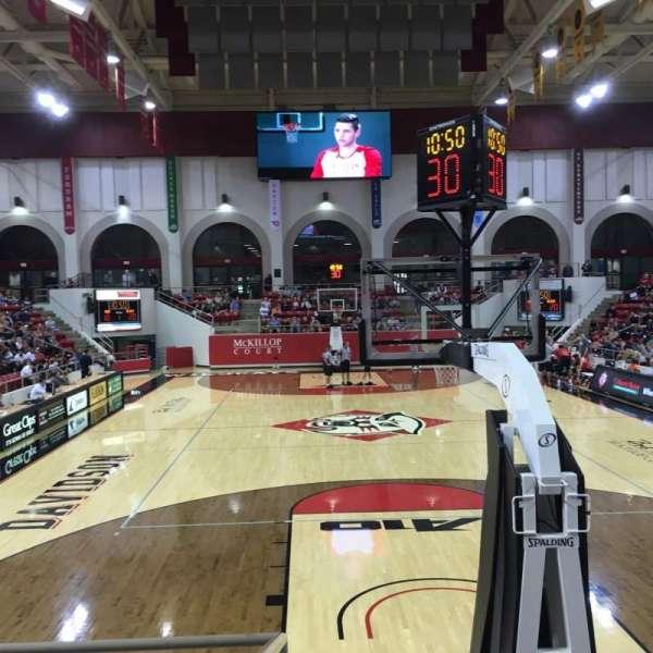 John M. Belk Arena, secção: 20, fila: A, lugar: 1