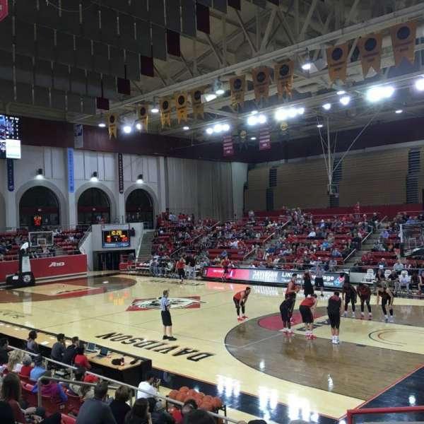 John M. Belk Arena, secção: 17, fila: E, lugar: 1