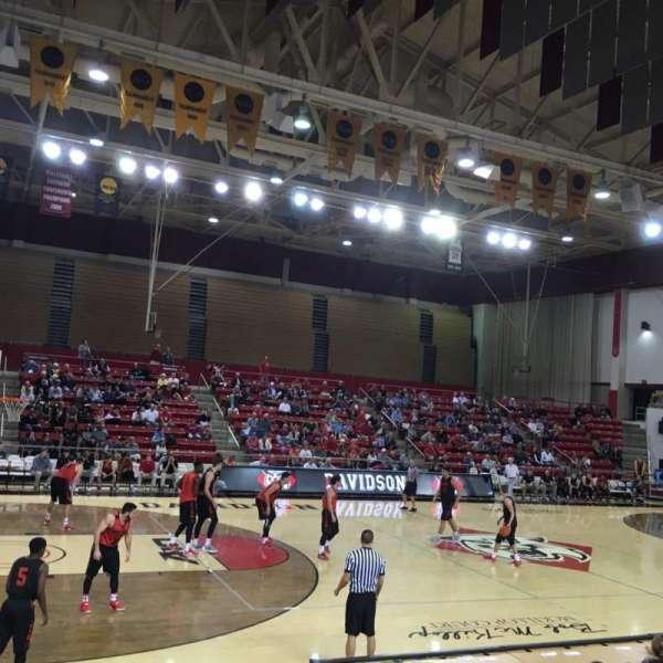 John M. Belk Arena, secção: 7, fila: C, lugar: 3