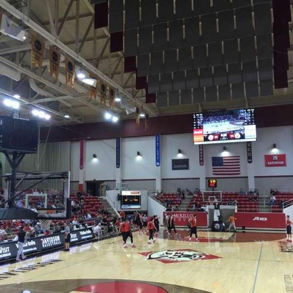 John M. Belk Arena, secção: 3, fila: E , lugar: 1