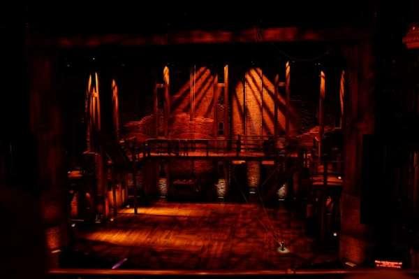 CIBC Theatre, secção: Mezzanine RC, fila: B, lugar: 312