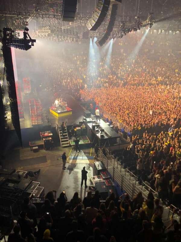 Amalie Arena, secção: 219, fila: A, lugar: 12
