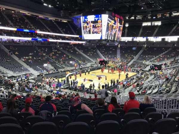 T-Mobile Arena, secção: 2, fila: W, lugar: 19