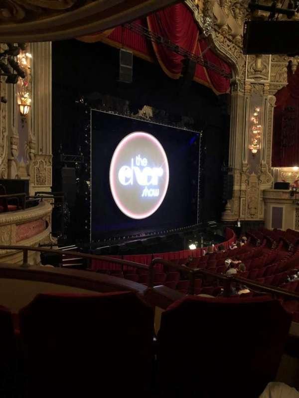 James M. Nederlander Theatre, secção: Dress Circle L, fila: CC, lugar: 7