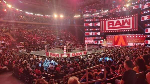Madison Square Garden, secção: 105, fila: 6, lugar: 13