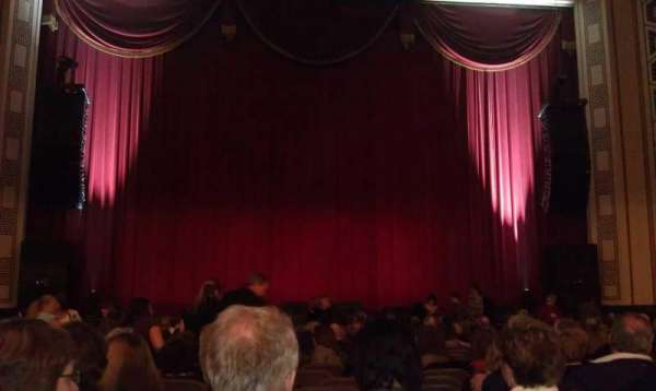 Taft Theatre, secção: Orchestra 2, fila: S, lugar: 10