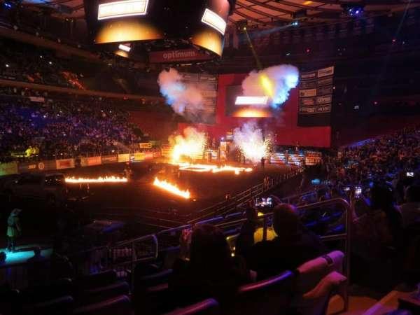 Madison Square Garden, secção: 104, fila: 10, lugar: 14