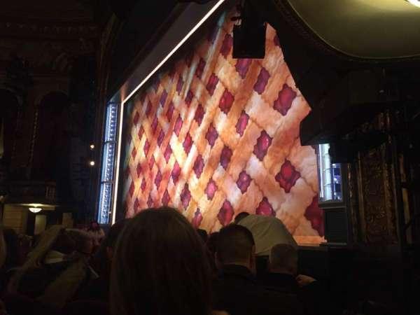 Brooks Atkinson Theatre, secção: Orch, fila: D, lugar: 20