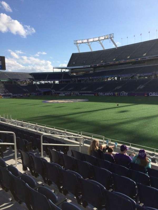 Camping World Stadium, secção: 103, fila: K, lugar: 28