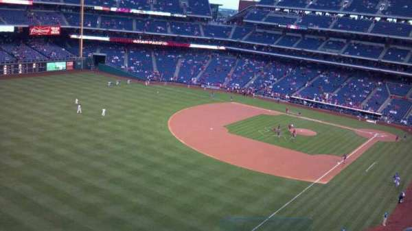 Citizens Bank Park, secção: 333, fila: 6, lugar: 3
