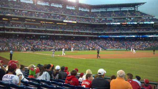 Citizens Bank Park, secção: 111, fila: 9, lugar: 9