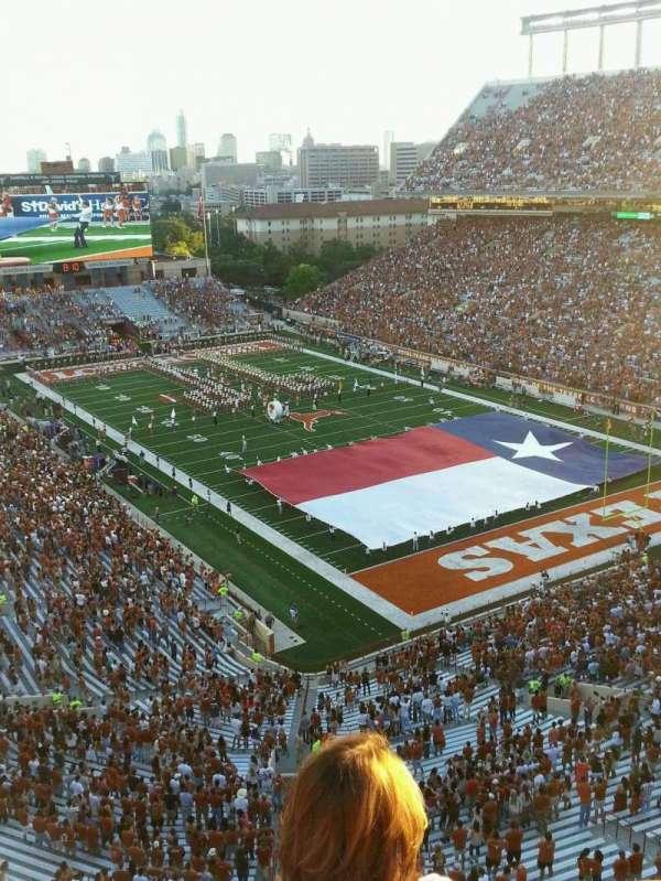 Texas Memorial Stadium, secção: 120, fila: 3, lugar: 4