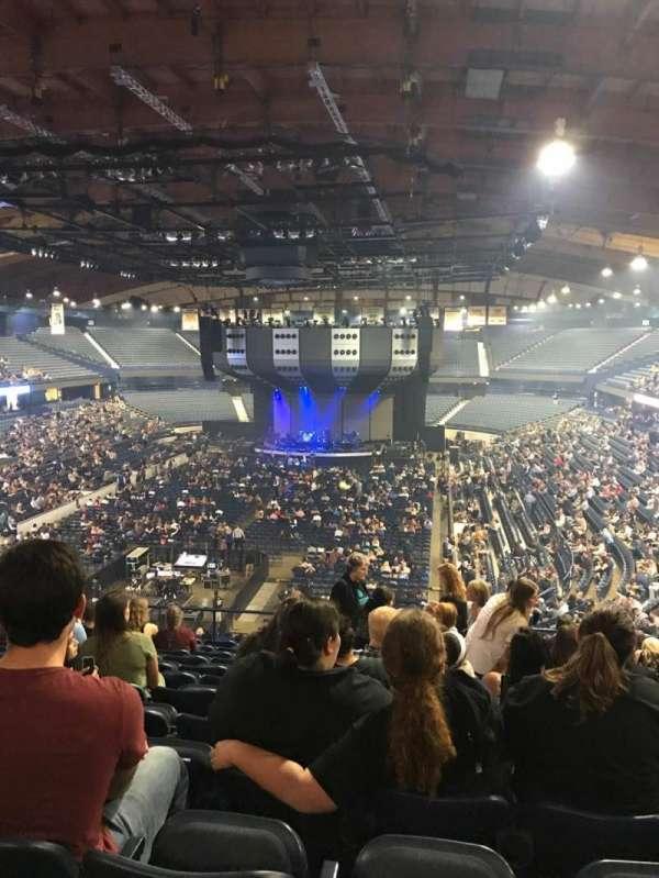 Allstate Arena, secção: 214, fila: M, lugar: 11