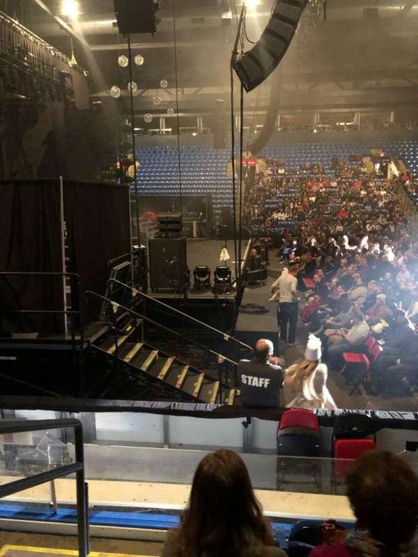 Grossinger Motors Arena, secção: 104, fila: F, lugar: 10