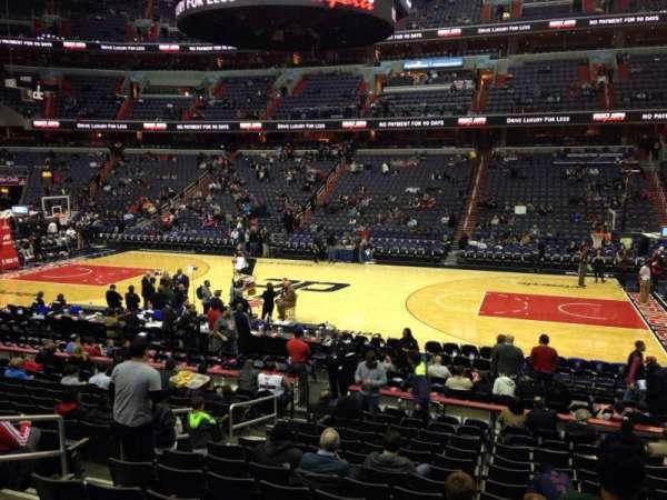 Capital One Arena, secção: 101, fila: P, lugar: 8