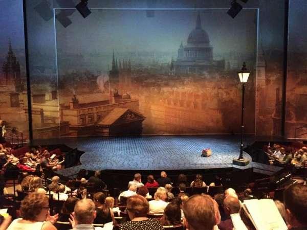 Vivian Beaumont Theater, secção: Orchestra Center, fila: M, lugar: 305