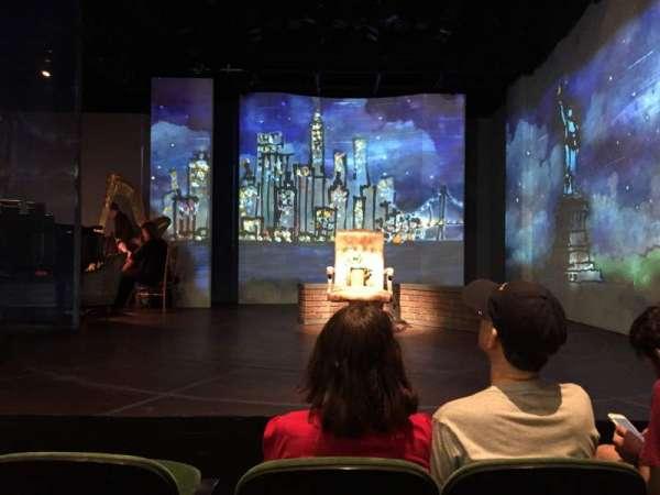 The Irish Repertory Theater, secção: Orchestra Center, fila: C, lugar: 4