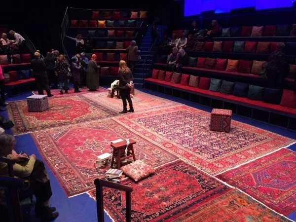Daryl Roth Theatre, secção: ORCH LN, fila: C, lugar: 211