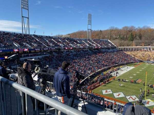 Scott Stadium, secção: 520, fila: D, lugar: 6