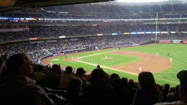 Yankee Stadium, secção: 213, fila: 23, lugar: 10