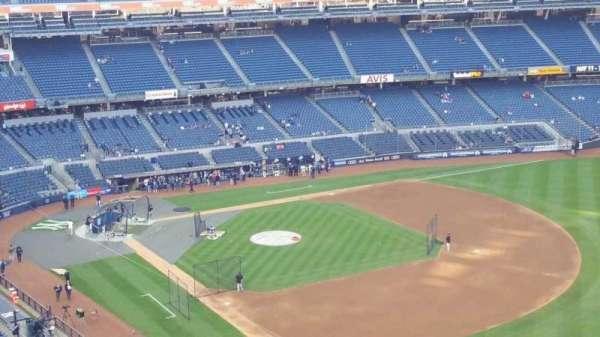 Yankee Stadium, secção: 410, fila: 1, lugar: 3