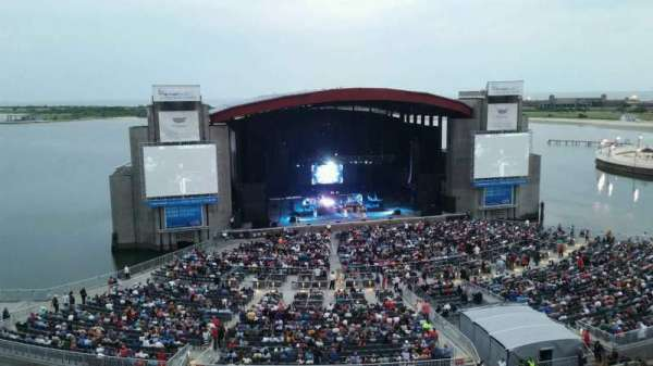 Jones Beach Theater, secção: 24, fila: A, lugar: 2