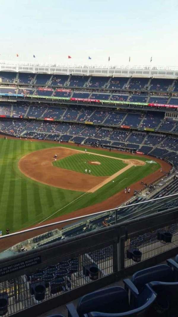 Yankee Stadium, secção: 431a, fila: 3, lugar: 8