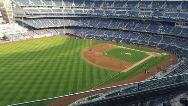 Yankee Stadium, secção: 431a, fila: 3, lugar: 5