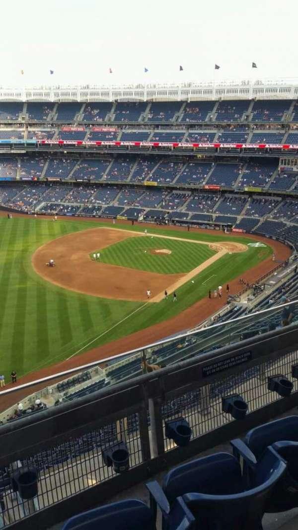 Yankee Stadium, secção: 431a, fila: 3, lugar: 4