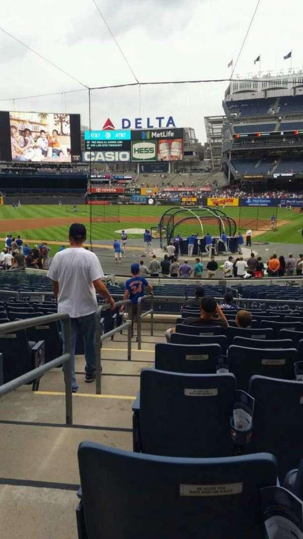 Yankee Stadium, secção: 121A, fila: 11, lugar: 8