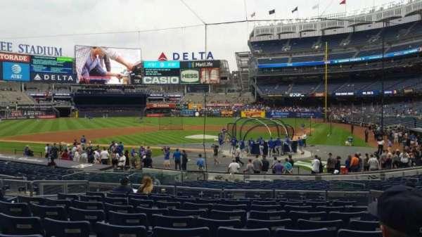 Yankee Stadium, secção: 121B, fila: 10, lugar: 5