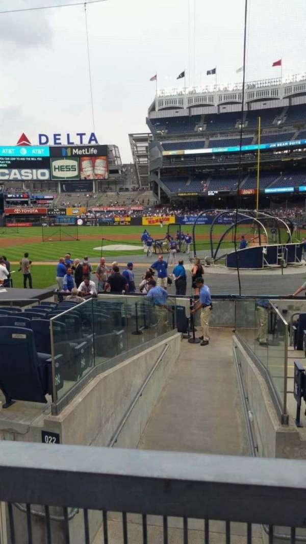 Yankee Stadium, secção: 122, fila: 3, lugar: 2