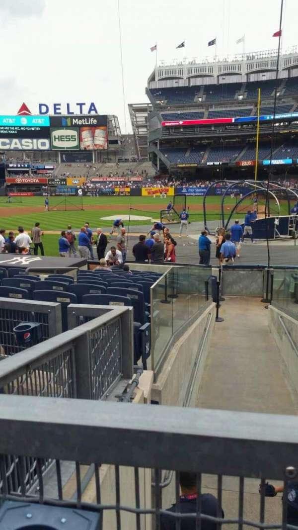 Yankee Stadium, secção: 122, fila: 3, lugar: 4