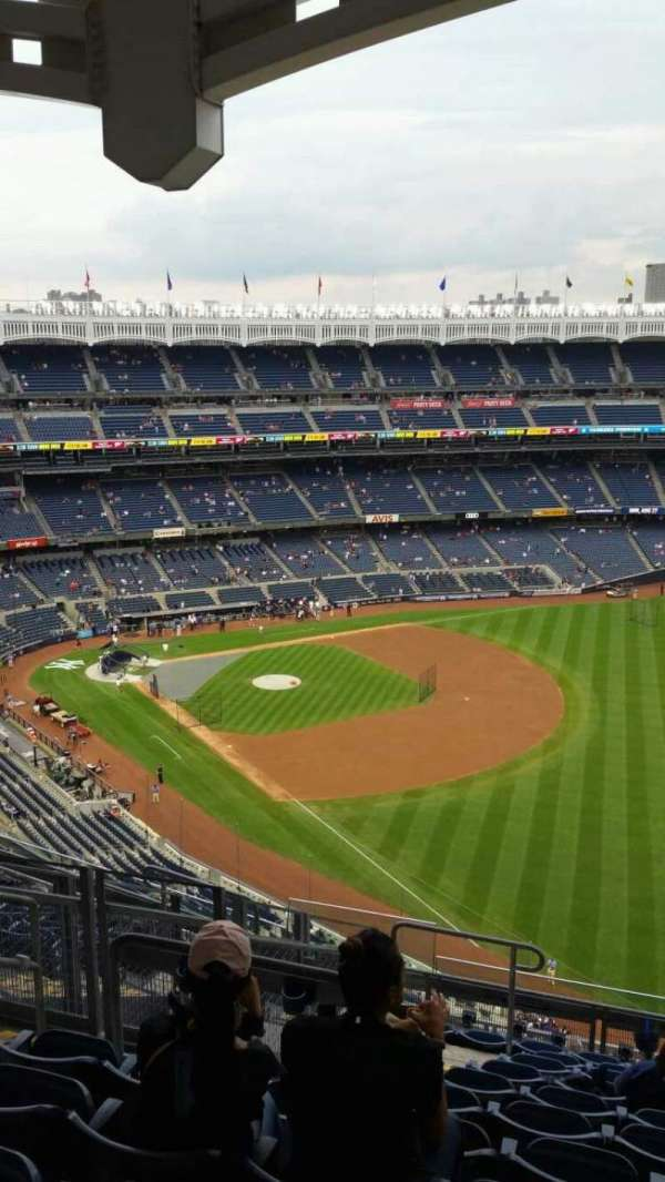 Yankee Stadium, secção: 409, fila: 11, lugar: 18