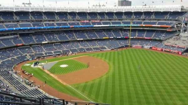 Yankee Stadium, secção: 409, fila: 11, lugar: 19
