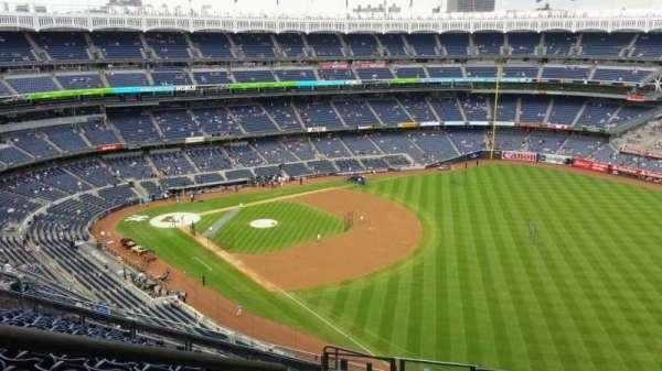 Yankee Stadium, secção: 409, fila: 12, lugar: 24