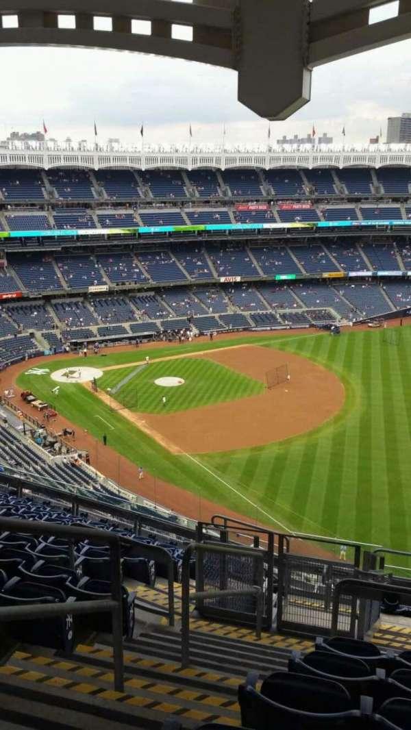 Yankee Stadium, secção: 409, fila: 12, lugar: 23