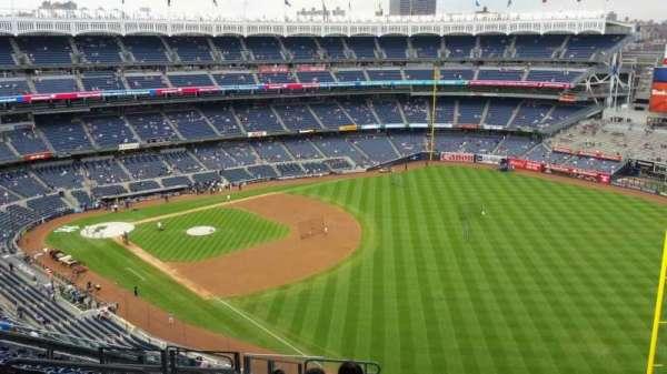 Yankee Stadium, secção: 409, fila: 12, lugar: 20