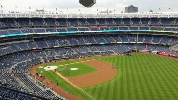 Yankee Stadium, secção: 409, fila: 12, lugar: 22