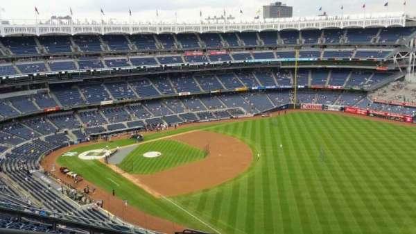 Yankee Stadium, secção: 409, fila: 11, lugar: 23