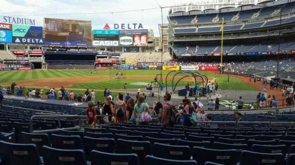 Yankee Stadium, secção: 121B, fila: 11, lugar: 6
