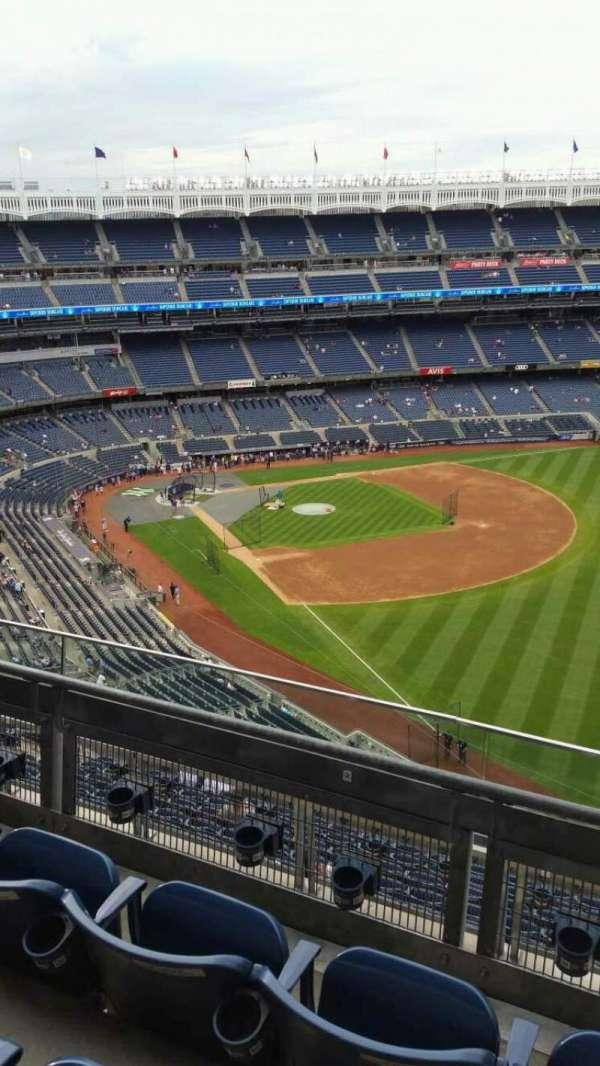 Yankee Stadium, secção: 409, fila: 3, lugar: 1