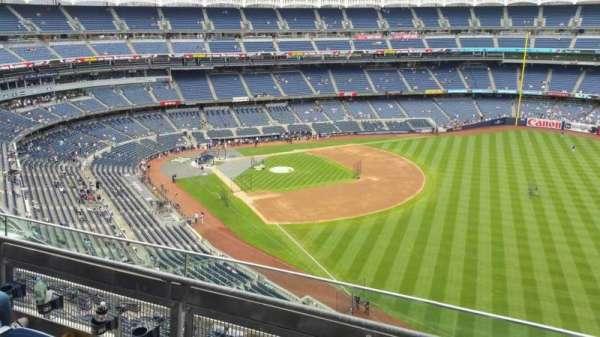 Yankee Stadium, secção: 409, fila: 3, lugar: 2